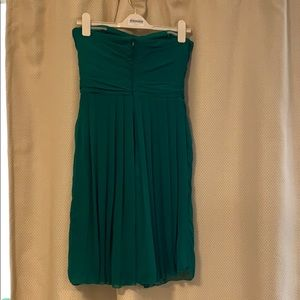 Badgley Mischka Dresses - Badgley Mischka Emerald strapless cocktail dress
